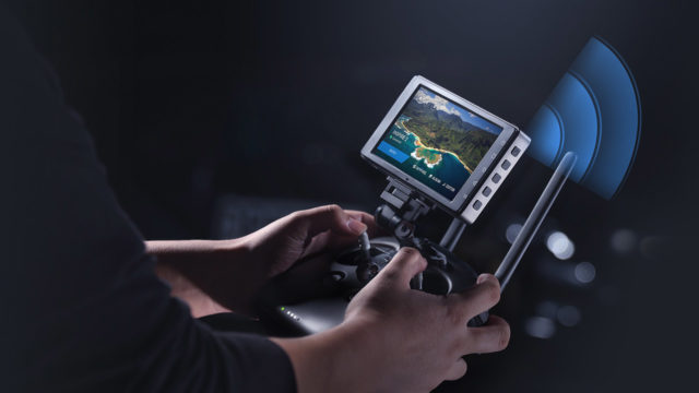 Monitor Super Jernih DJI CrystalSky dan Aplikasi Perencana Terbang Terbaru